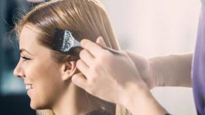 رازهای ماندگاری رنگ مو به زیبایی روز اول