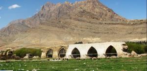 پل شاپوری خرمآباد مرمت شد