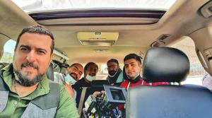 چهره ها/ سلفی ماشینی محسن کیایی در کنار دوستان