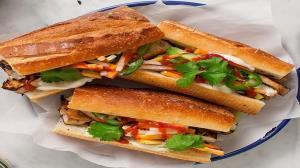 طرز تهیه ساندویچ مرغ سوخاری با پنیر خوشمزه و لذیذ