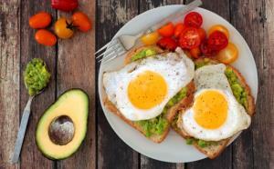 صبحانه، بهترین وعده برای کاهش تری گلیسیرید؛ ۵ پیشنهاد غذایی