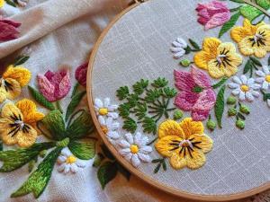 با این آموزش گلدوزی زیبا لباس ها را بهاری کنید