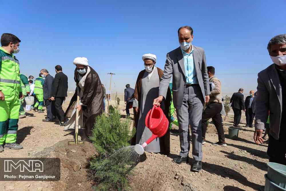 آیین روز درختکاری در اصفهان