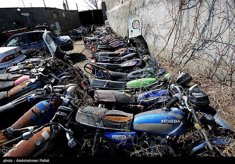 عکس/ پارکینگ موتور سیکلتهای توقیفی در همدان