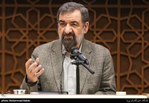 محسن رضایی: رئیس جمهور نظامی دست دزدها را قطع میکند