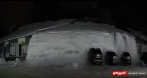 چیزی نمونده بود زیر برف گیر کنن!