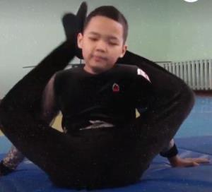 استعداد عجیب و خارق العاده پسر خمیری قزاقستانی
