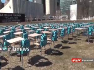 نیمکت های خالی؛ نمادی از میلیونها دانش آموز که مدارسشان به علت کرونا تعطیل است