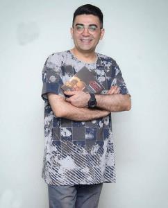 چهره ها/ ست فرزاد حسنی با ماشین لاکچری