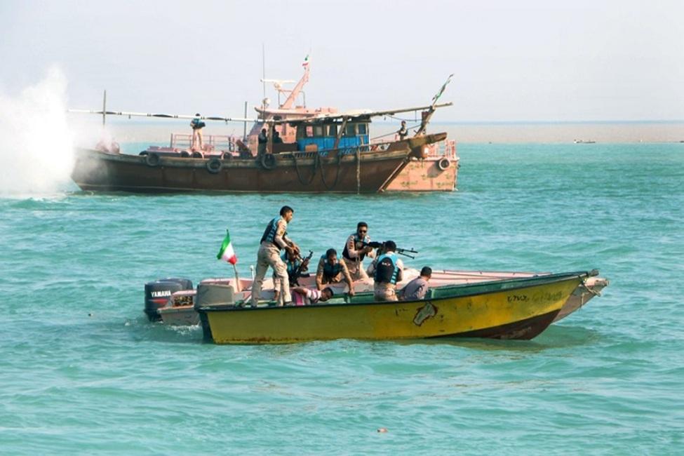 توقیف شناورهای حامل کالای قاچاق در آبراه اروند