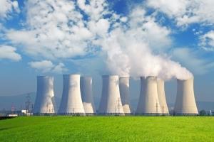 آلمان تمام نیروگاههای هستهای خود را تعطیل میکند