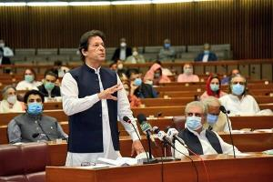 هیاهوی سیاسی در پاکستان، عمرانخان از سد مخالفان عبور میکند؟