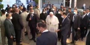 لحظه ورود پاپ فرانسیس به دفتر آیتالله سیستانی در نجف