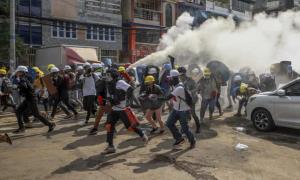 ادامه تظاهرات مخالفان کودتا در میانمار با وجود کشتار معترضان