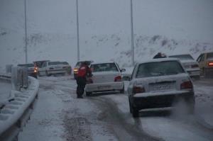مسدود شدن راه ارتباطی ۷ روستای اهر بر اثر برف و کولاک