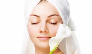 برای جلوگیری از خشکی پوست از کرمهای آبرسان قوی استفاده شود