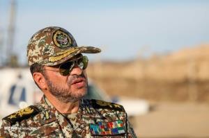 تنها راه غلبه بر توطئههای دشمن از زبان فرمانده پدافند هوایی ارتش