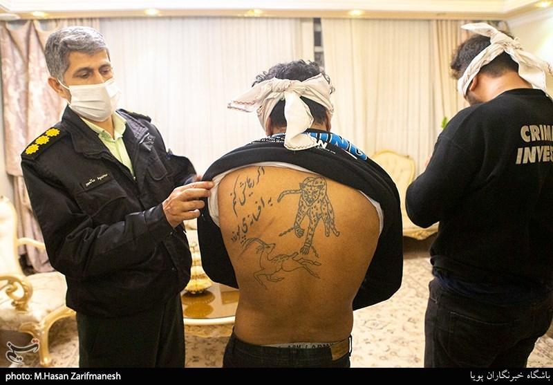 عکس/ بازداشت سارقانِ خشنِ منزل حین ارتکاب جرم!