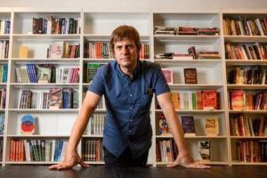 بوکشاپ رقیب جدید آمازون/ جمعآوری کمک برای کتابفروشیهای سنتی