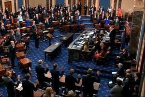 سنای آمریکا طرح خروج اقتصاد از بحران کرونا را تصویب کرد