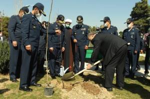 ۳۳ اصله نهال به یاد ۳۳ شهید جاویدالاثر نیروی هوایی ارتش غرس شد