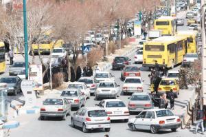 تقاطع های بی سر و سامان در بیرجند؛ ایمنی شهروندان زیر چرخ خودروها