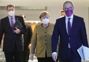 کاهش محبوبیت حزب مرکل در سال کرونایی آلمان
