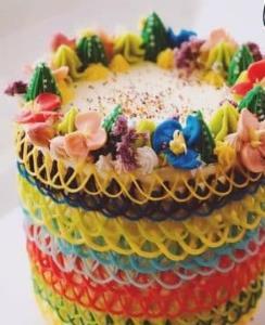 تزئین کیک زیبا با آیسینگ کره ای