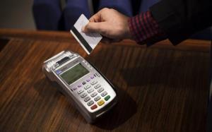 سرقت اطلاعات بانکی ۲۰۰ شهروند توسط دکه روزنامه فروشی