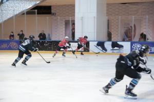 قهرمان رقابتهای اسکیت هاکی روی یخ مشخص شد