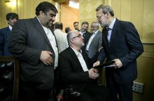 جعفرزاده: بعید است لاریجانی گفته باشد جهانگیری بیاید من نمیآیم