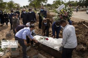 تشییع شبانه ۲ فوتی در صیدون برای پیشگیری از کرونا