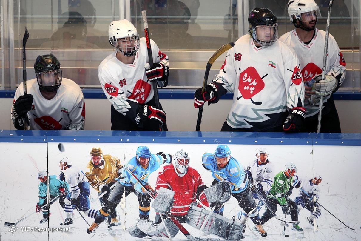 مسابقات اسکیت هاکی روی یخ آقایان
