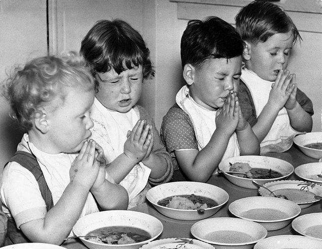 دعا خواندن جالب کودکانه قبل از خوردن غذا