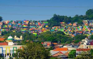 دهکده رنگین کمانی اندونزی
