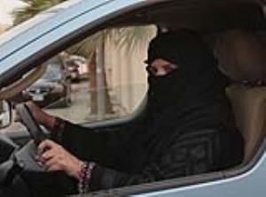 رانندگی عجیب زنی حادثه آفرید