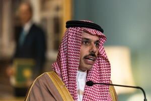 وزرای خارجه عربستان و قطر با یکدیگر دیدار کردند