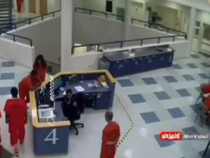 بزن بزن پلیس آمریکا با یک زندانی