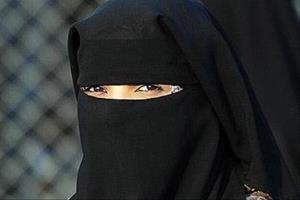 سوئیس پوشش «برقع» در اماکن عمومی را ممنوع کرد