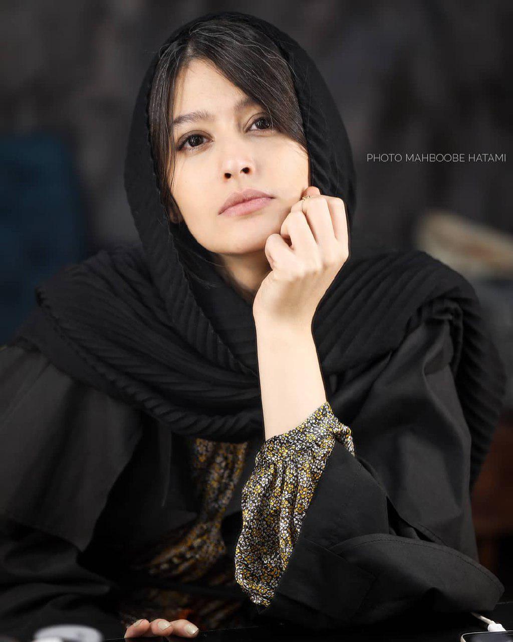 چهرهها/ پردیس احمدیه در مقابل لنز عکاس