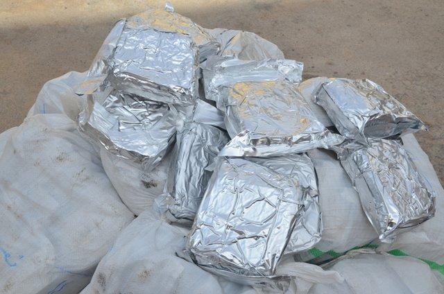 کشف محموله ۳۶۲ کیلویی مواد افیونی در اصفهان