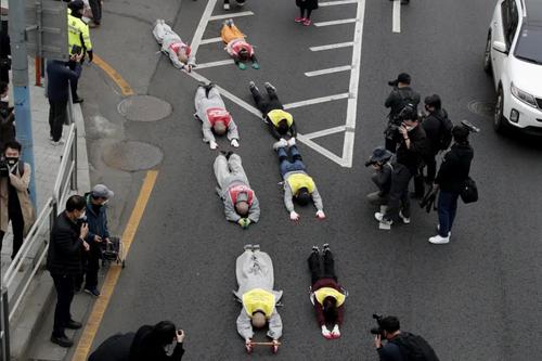 اعتراض متفاوت راهبان بودایی در کره جنوبی