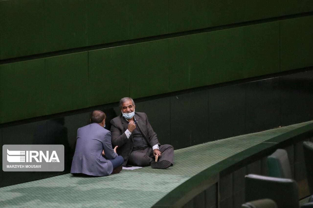عکس/ حاشیه های جلسه علنی مجلس شورای اسلامی