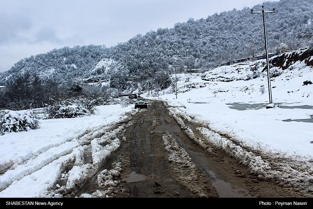 مسدود شدن ۲۰۳ محور روستایی استان قزوین در پی بارش برف