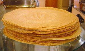 پخت بزرگ ترین نان کرپ دنیا در روسیه