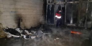 مهار آتش در کارگاه لولههای پلی اتیلن در سلطان آباد