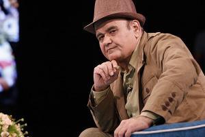 رقص اکبر عبدی در سریال نوستالژیک «اجاره نشین ها»