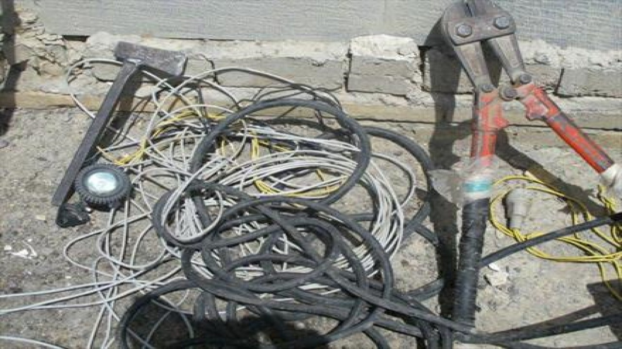 دستگیری سارق سابقه دار کابل برق با ۶ فقره سرقت در فاروج