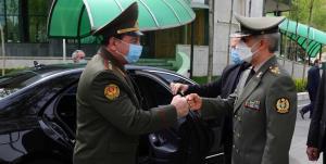 وزیر دفاع در دیدارِ همتای تاجیکستانی: در صادرات اقلام و تجهیزات دفاعی هیچ مشکلی نداریم