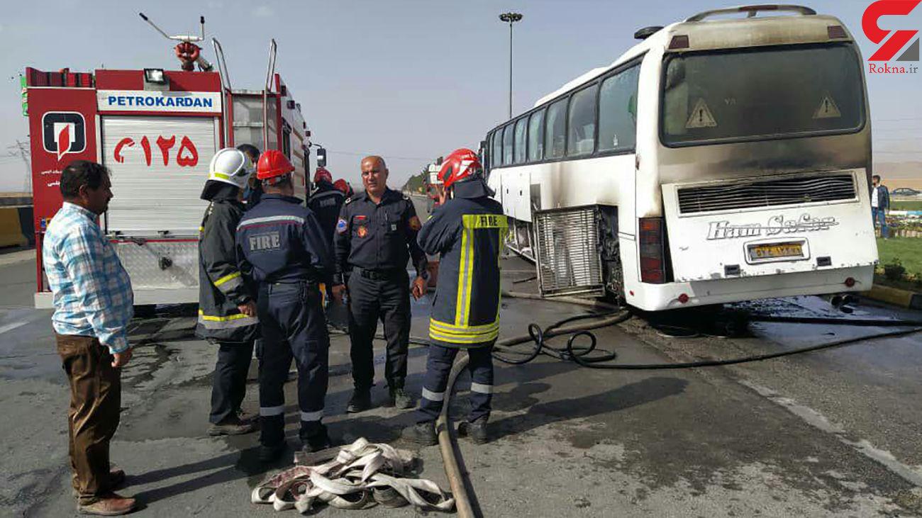 آتشسوزی وحشت آور در اتوبوس مسافربری مبارکه